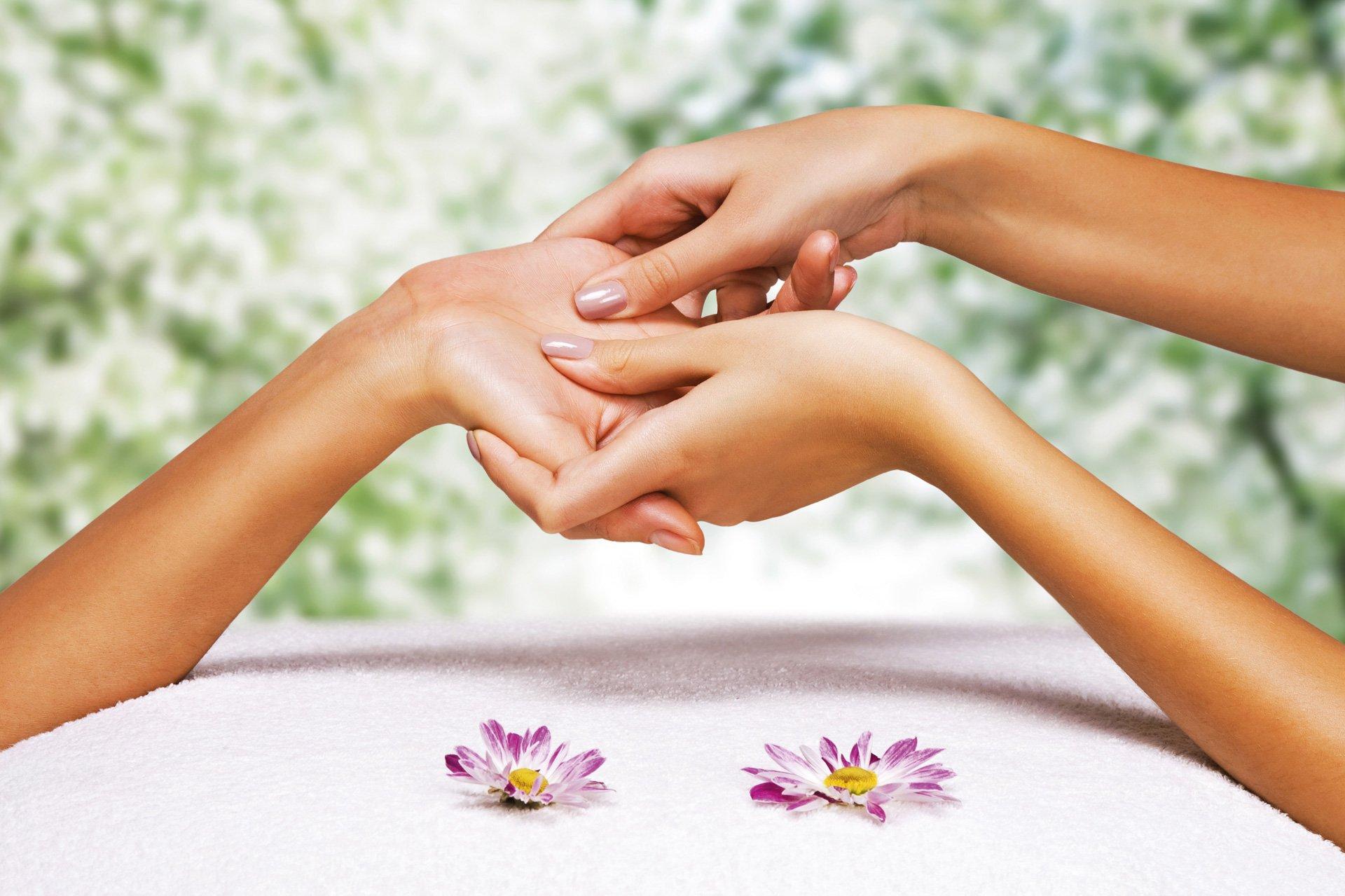 hand massage using essential oils